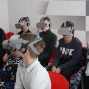 VR-фильм «Ставропольцы на фронтах Великой Отечественной войны» показывают школьникам края